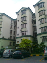 Goodyear Court 10, UEP Subang Jaya photo by Sheron Tan