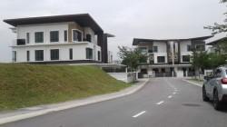 16 Sierra, Puchong
