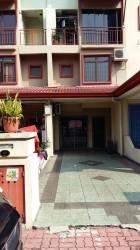 Villa Laman Tasik, Bandar Sri Permaisuri