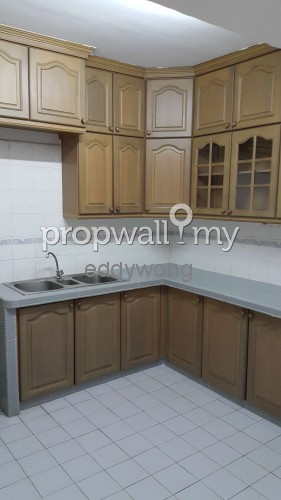 Room For Rent In Kelana Parkview Condo