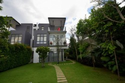 LakeFront Residence, Cyberjaya photo by Jacky Lee