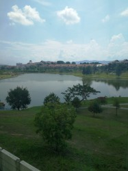 Lake Valley, Bandar Tun Hussein Onn