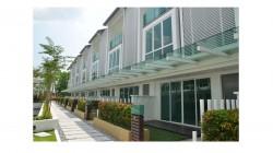 Villa Pines, Segambut photo by Edison Tan