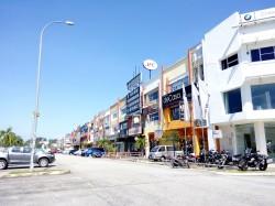 Puchong Gateway, Puchong photo by Edmund Ngan