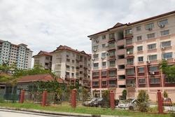 Latan Biru, Kota Damansara