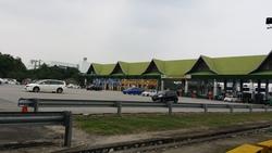 Batu Tiga, Shah Alam photo by kcchia