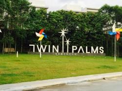 Twin Palms, Kemensah