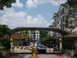 SD Apartments, Bandar Sri Damansara photo by Steven Chong