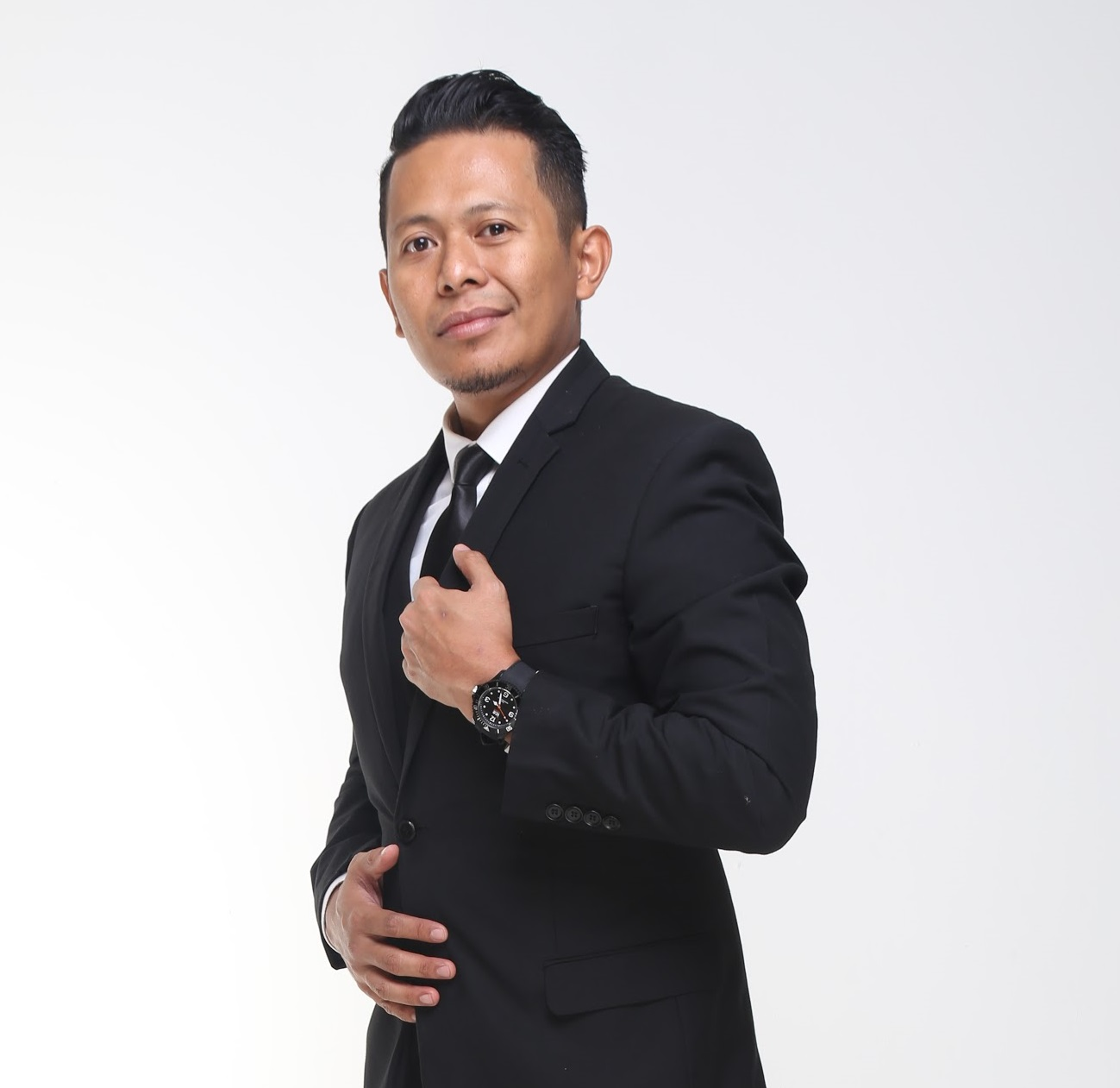 Tengku Zairi Ezwa Tuan Zakaria